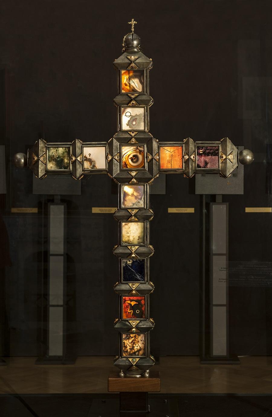 Композиция Крест «Монте Дженерозо» в Шереметевском дворце